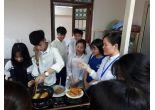 Học sinh Trường THPT Dân tộc nội trú huyện Ba Vì về thăm quan học tập trải nghiệm tại Trường.